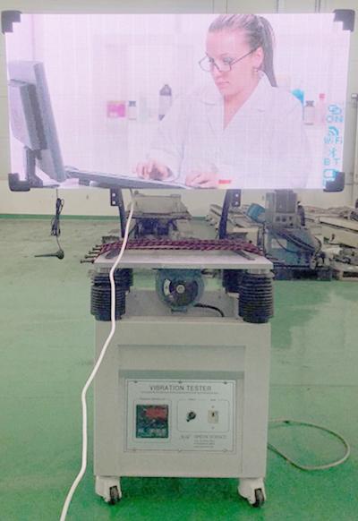 LED電光板振動試験